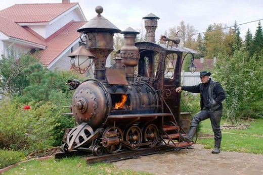 Steampunk-Locomotive-BBQ-Grill-01