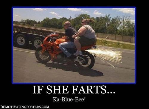 wmb-motorcyclememes-funnystreetbikememeifshefartskablue